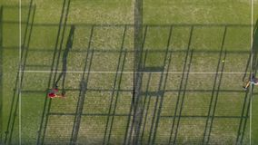 从人们充当网球网球场的高度的看法 影视素材