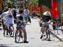 从会安市,越南的街道场面 免版税库存图片