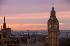 从伦敦眼睛的大笨钟查阅 免版税库存照片