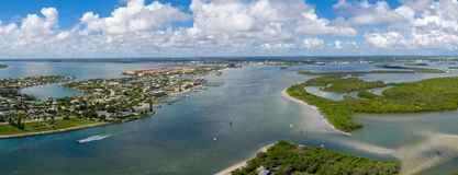 从入口的皮尔斯堡佛罗里达全景 库存照片