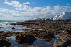 从兰萨罗特岛海岛,西班牙的沿海横向。 免版税库存照片