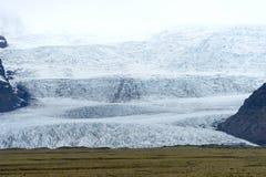 从冰川盐水湖的末端 库存照片