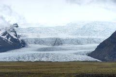 从冰川盐水湖的末端 免版税库存图片