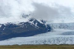 从冰川盐水湖的末端 库存图片