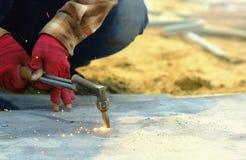 从切开钢的气体工具的火 免版税图库摄影
