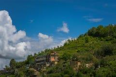 从区域褶皱藻属,阿马尔菲海岸,意大利的美丽的景色 免版税库存照片