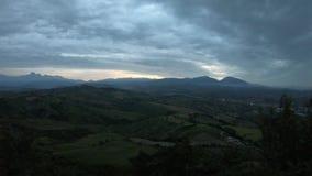 从卡斯泰拉尔托的日落视图,阿布鲁佐地区阳台  股票录像