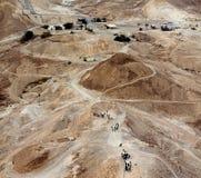 从历史的马萨达堡垒,以色列的古老罗马路 库存图片