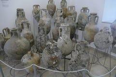 从古老海难的Amphorae 免版税图库摄影