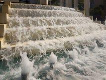 从台阶的自来水在Loutraki在希腊 图库摄影