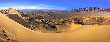 从唱歌Barkhan的全景 全国自然公园Altyn Emel 卡扎克斯坦 免版税库存图片