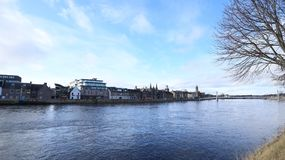 从因弗内斯苏格兰的河视图 库存图片