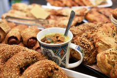 从团面团和crout汤的健康快餐 免版税库存照片