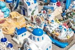 从圣托里尼海岛的希腊纪念品在爱琴海 希腊 免版税库存图片