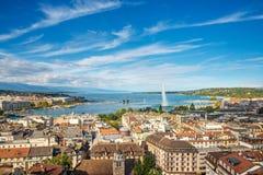 从圣皮埃尔,瑞士大教堂的高度的日内瓦  库存照片