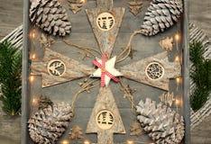 从圣诞节装饰、样式和设计观念的背景 免版税库存图片
