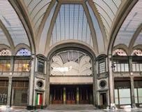 从圣费德里科画廊的入口看的戏院勒克斯在都灵,意大利 库存图片
