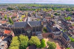 从圣Martins大教堂的塔的顶端Arial视图晴天 乌得勒支的历史的中心美丽的景色  库存图片