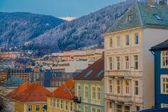 从在屋顶的美好的室外看法,卑尔根,挪威 卑尔根打开著名目的地在有它的秀丽的挪威 免版税库存照片