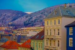 从在屋顶的美好的室外看法,卑尔根,挪威 卑尔根打开著名目的地在有它的秀丽的挪威 免版税库存图片