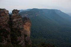 从在Cahill'附近的一个看法;s监视在蓝山山脉在澳大利亚 库存照片