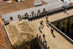 从埃武拉大教堂上面,在较低楼层上的看法 免版税库存图片