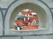 从城堡塔的看法在捷克克鲁姆洛夫古城 免版税库存照片