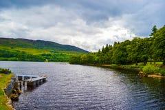 从堡垒奥古斯都的尼斯湖,在高地苏格兰,团结的家族 图库摄影
