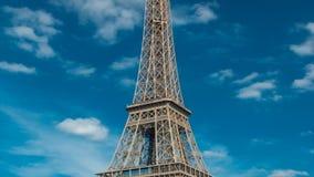 从堤防的埃佛尔铁塔timelapse在河塞纳河在巴黎 影视素材