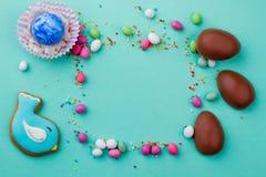 从复活节甜点的框架 免版税库存图片