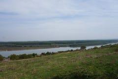 从多布罗加小山和它的胳膊看见的多瑙河  库存照片