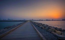 从天窗阿布扎比的日落 库存照片