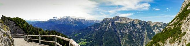 从奥地利的阿尔卑斯的全景 免版税库存图片