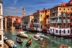 从威尼斯大石桥桥梁的看法大运河,威尼斯,意大利 库存图片