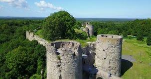 从寄生虫古老被毁坏的堡垒的鸟瞰图 Koporye 圣彼德堡 俄国 股票录像
