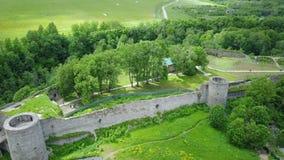 从寄生虫古老被毁坏的堡垒的鸟瞰图 Koporye 圣彼德堡 俄国 股票视频
