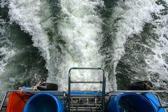 从小船的水波 库存照片
