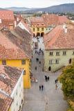 从尖沙咀钟楼的看法到老城市 Sighisoara市在罗马尼亚 图库摄影