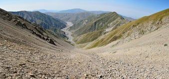 从山巴巴达格足迹的看法在Azerbaij的Ismayilli地区 图库摄影