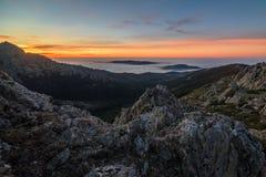 从山的日出 库存照片