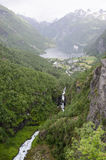 从山的顶端挪威Geiranger海湾好的视图 免版税库存图片