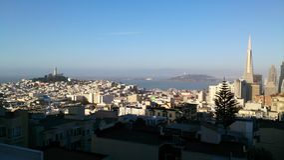从山顶的旧金山地平线 免版税图库摄影
