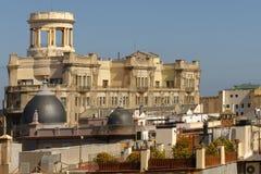 从巴塞罗那屋顶看见的古老大厦,卡塔龙尼亚,西班牙 库存图片