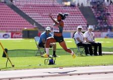 从巴西胜利银牌的Mirieli桑托斯在国际田联世界U20冠军坦佩雷,芬兰2018年7月15日的三级跳, 免版税库存照片