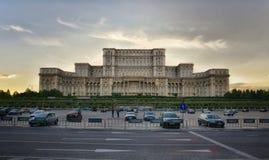 从布加勒斯特的罗马尼亚议会 库存照片