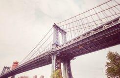 从布鲁克林看见的曼哈顿桥梁Dumbo,纽约 库存照片