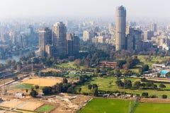 从开罗塔的开罗大厦 免版税库存照片