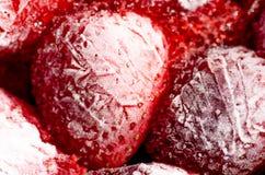 从开胃结冰的草莓的抽象背景 免版税库存照片