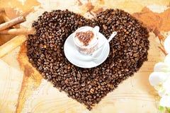 从心脏的咖啡 免版税库存照片