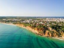 从拉各斯海滩的鸟瞰图 图库摄影